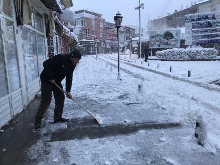 Tokatlılar güne kar sürprizi ile başladı