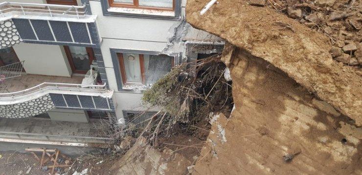 Yalova'daki heyelan dehşeti gün ağarınca ortaya çıktı