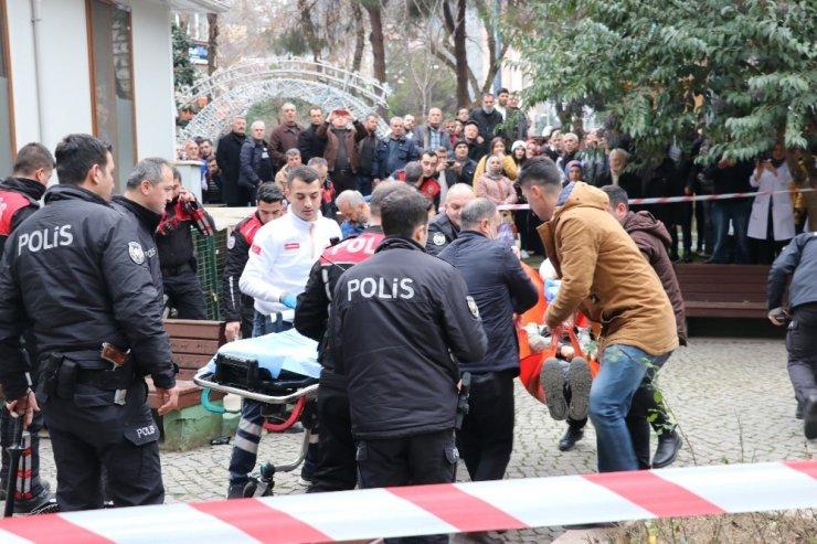 Alacak verecek nedeni ile tartıştığı kişiyi şehrin göbeğinde vurdu