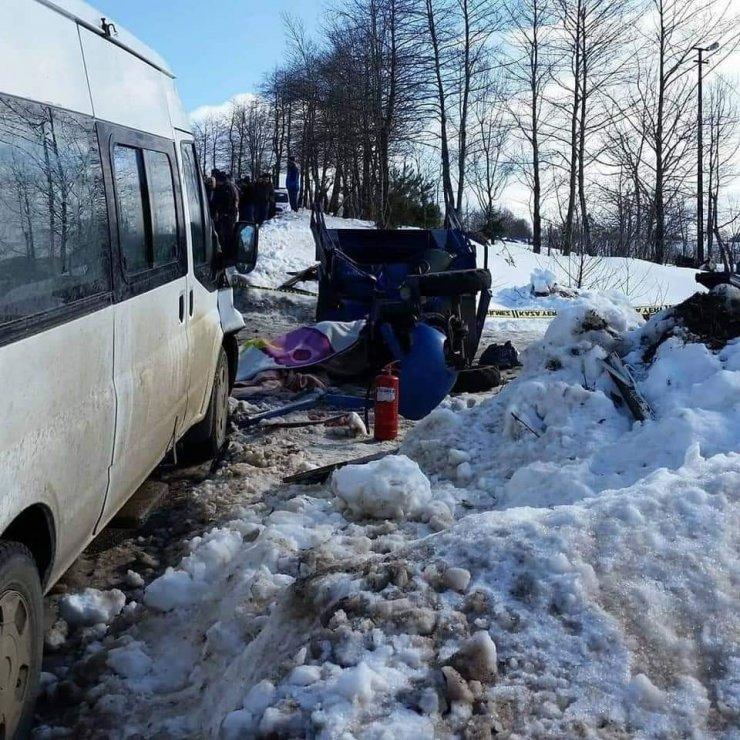 Ordu'da minibüsle patpat çarpıştı: 1 ölü, 1 yaralı