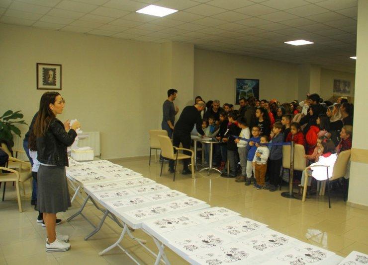 Kartal Belediyesi'nden öğrencilere kukla şenliği