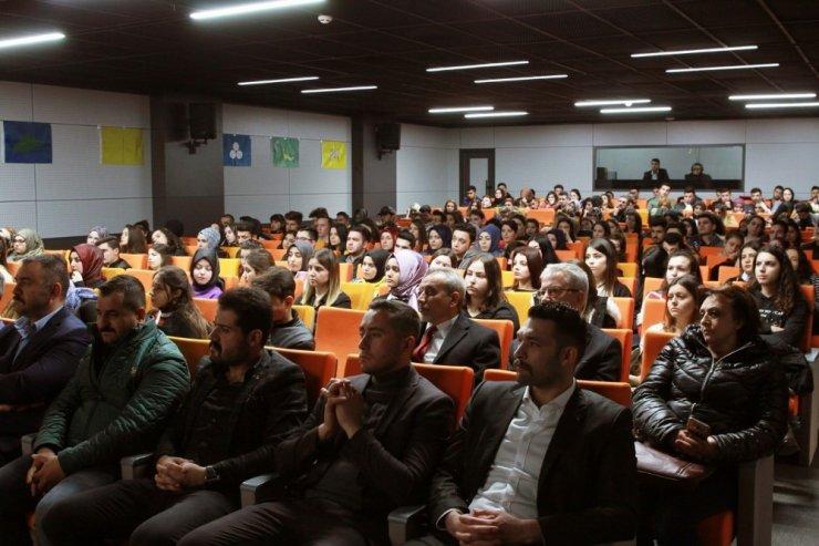 Kapadokya Üniversitesinde Doğu Türkistan meselesi konuşuldu