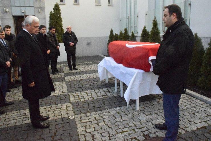Türk öğrenci için Varşova Büyükelçiliğinde tören düzenlendi