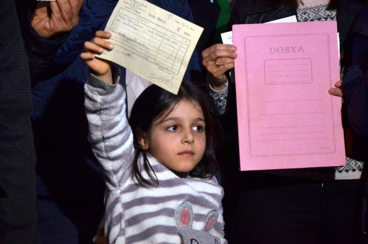 Münevver Karabulut cinayetinin kan parası, Adanalı 30 aileyi evinden etti