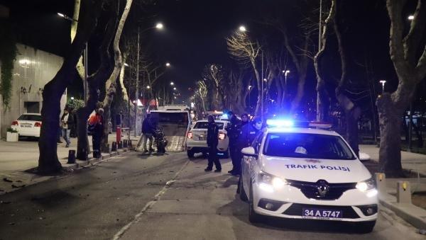 Üsküdar'da motosiklet ile otomobil kafa kafaya çarpıştı: 2 ağır yaralı