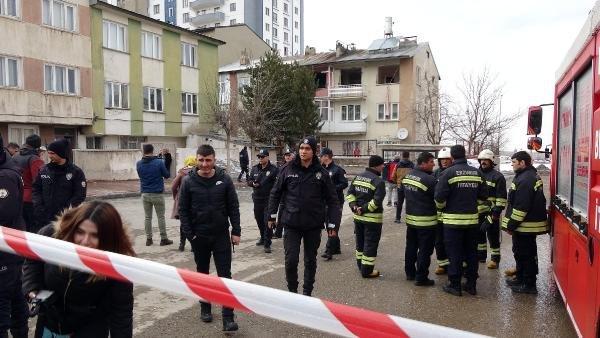 Evdeki patlamada Afgan çift yaralandı