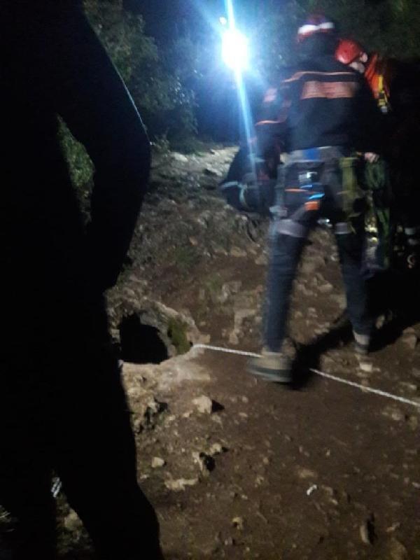 Bursa'da 8 defineci, kazdıkları kuyuda mahsur kaldı