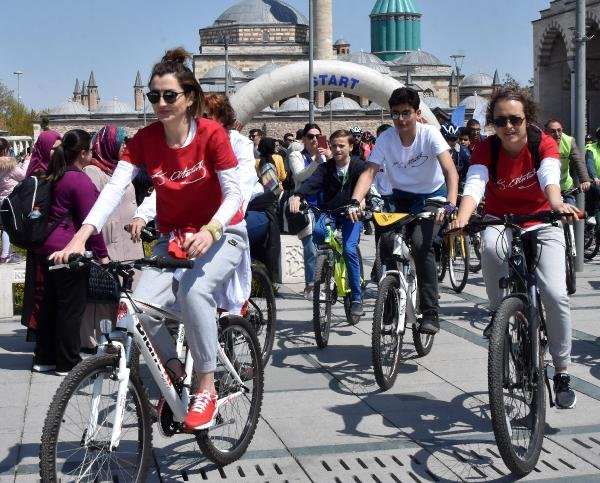 Konya'da 'Bisiklet halk yürüyüşü' düzenlendi