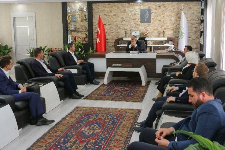 AK Parti Kayseri İl Gençlik Kollarından Başkan Öztürk'e ziyaret