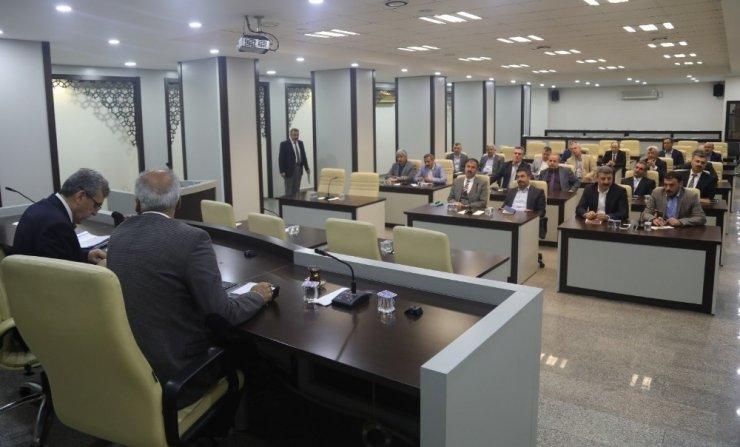 Beyazgül, Büyükşehir yönetimi ile toplantı yaptı