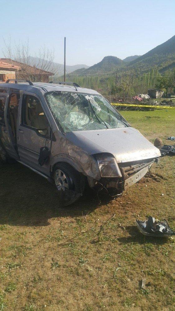 Manisa'da feci kaza: 1 ölü, 5 yaralı