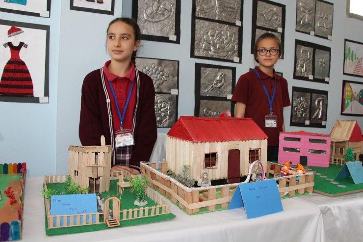 Öğrencilerin tasarım sergisi beğeni topladı