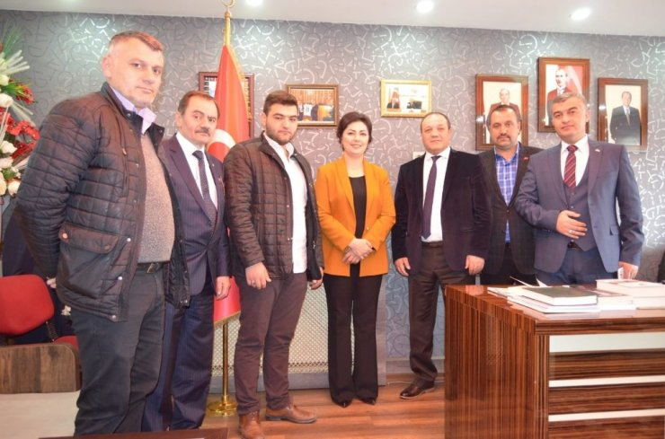 Taşlıcay, Erzurum'da Anneler Günü programına katıldı