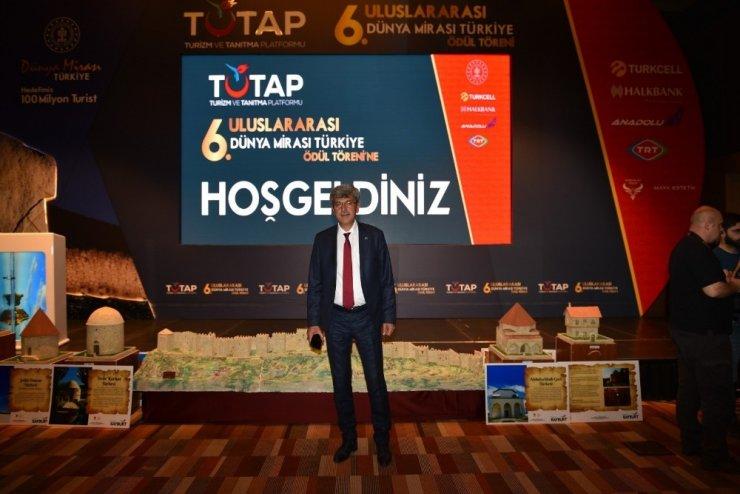TUTAP'tan Başkan Kaplan'a Ödül