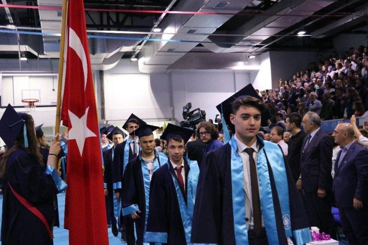 Sabiha Gökçen Lisesi'nde coşkulu mezuniyet töreni