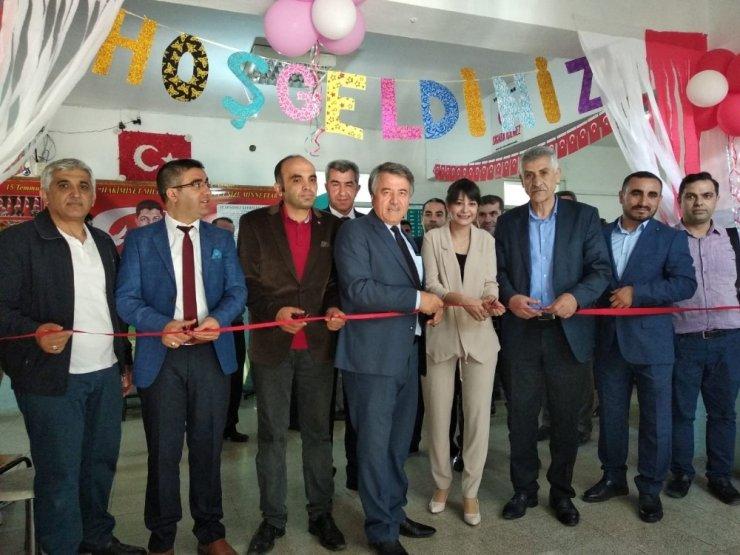 Süleyman Şah Ortaokulu'nda bilim fuarı açıldı
