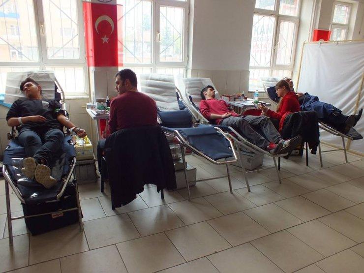 Atatürk Ortaokulu'ndan kan bağışı kampanyası