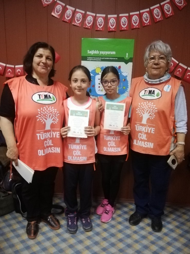 Aydınlı minik tema gönüllüleri sertifikalarını aldılar
