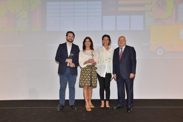 Boyner'in 'İyiliğe Dönüştür' projesine Altın Pusula ödülü
