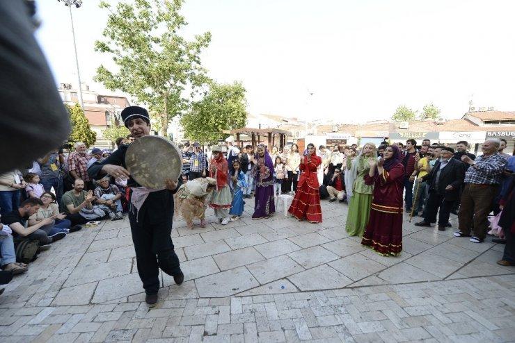Uluslararası Amatör Tiyatro Festivali tüm hızıyla sürüyor