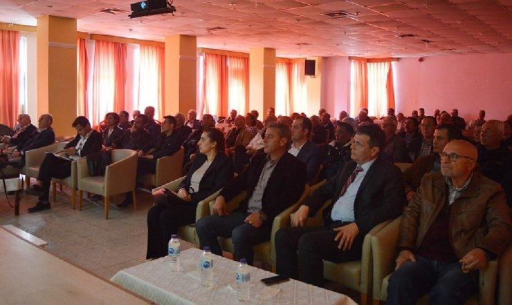 """Erdek'te """"Zeytin hastalıkları ve zararlıları"""" konulu seminer verildi"""