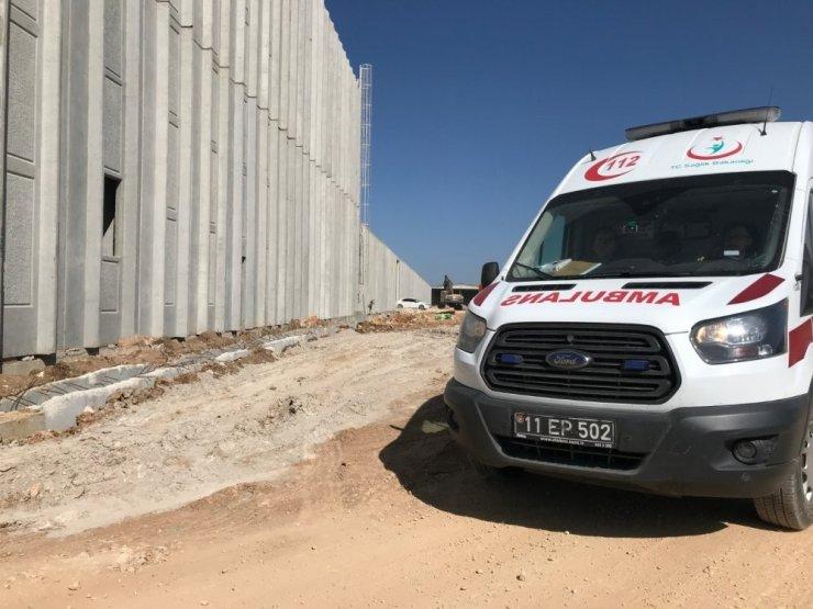 Fabrika inşaatındaki kazada ağır yaralan işçi hayatını kaybetti