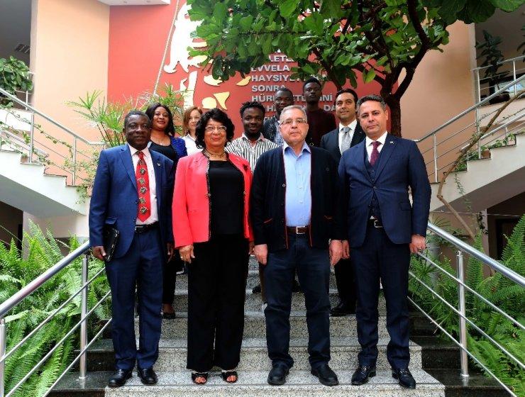 Gana Büyükelçisi GAÜN'e hayran kaldı