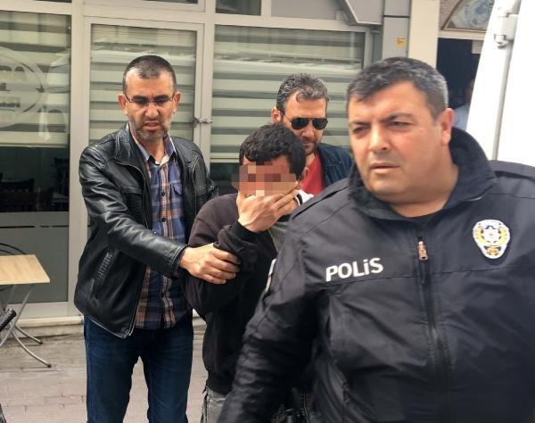 Genç kızı taciz eden Suriyeliyi taksi durağında dövdüler