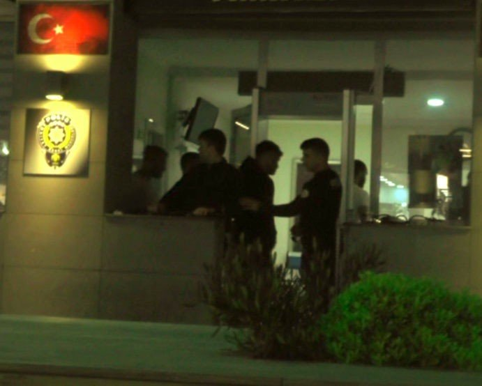 Macera parkında Midilli cinsi ata alkollü içecek içirdiler, gözaltına alındılar