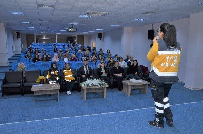 """Erzincan'da """"İlk Yardım Eğitimi Konferansı"""" verildi"""