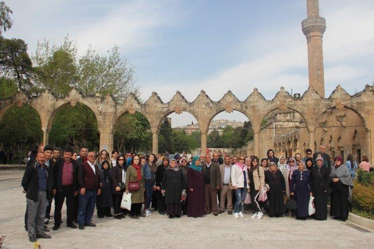 Kayseri İl Emniyet Müdürlüğü Tarafından Şehit Ailelerine Şanlıurfa İline Gezi Düzenledi