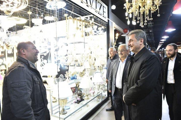 Mamak Belediye Başkanı Köse, mobilyacıları ziyaret etti