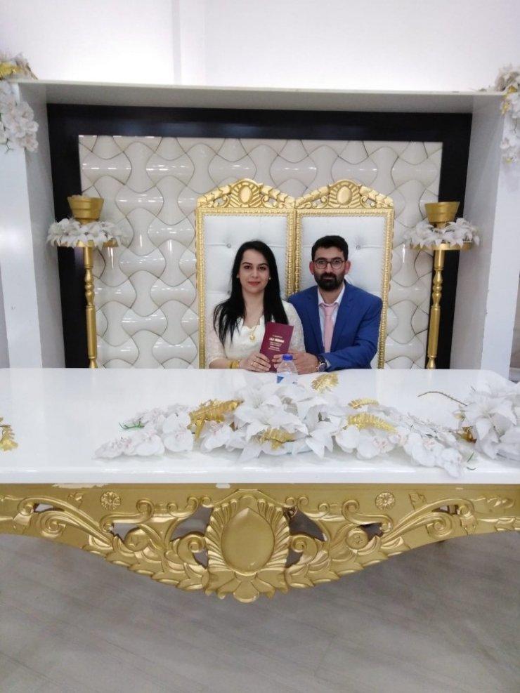 Damat yapılan'resmi' yanlışlıkla kayınpederi ile evlendirildi