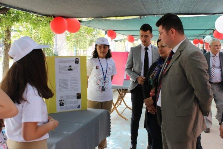 TÜBİTAK 4006 Bilim Fuarı Kırkağaç'ta törenle açıldı