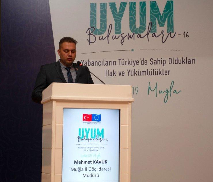 Muğla'da yabancılara hak ve yükümlülükleri anlatıldı