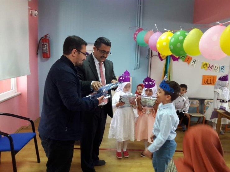 Kur'an- Kerim'i okumayı öğreniyorlar