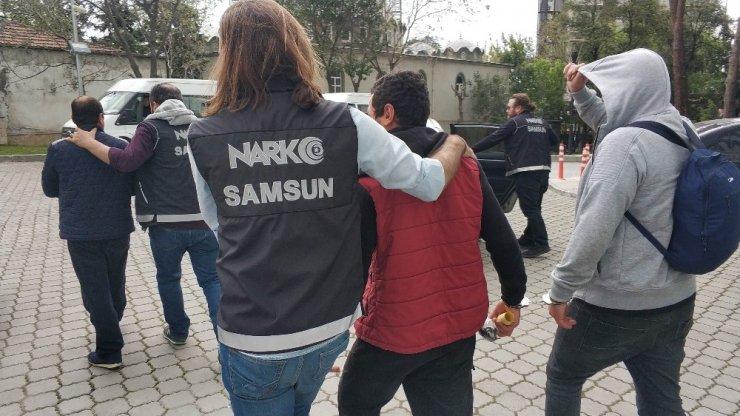 Samsun'da uyuşturucu ticaretinden 5 kişi tutuklandı
