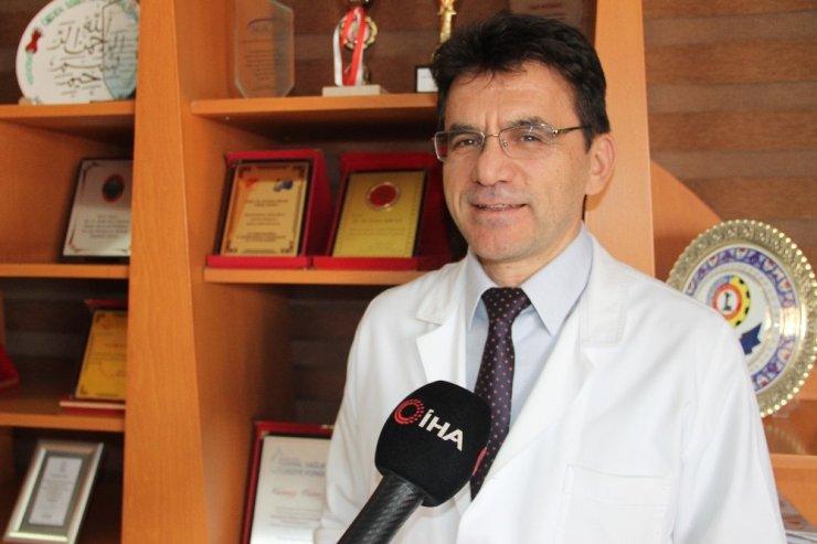 Kenyalı doktor vefa borcunu Türkiye'de doktorluk yaparak ödüyor