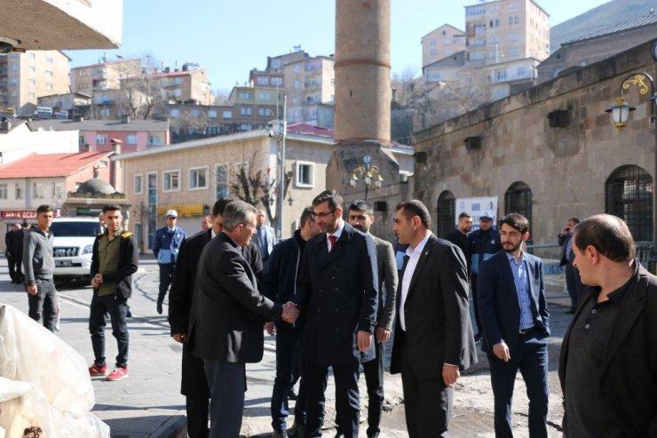 Bitlis Belediyesi Başkan Tanğlay'dan esnaf ziyareti