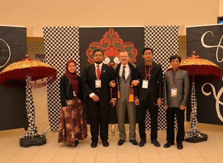 Bursa'da eğitim gören Endonezyalı öğrenciler ülkelerini tanıttı