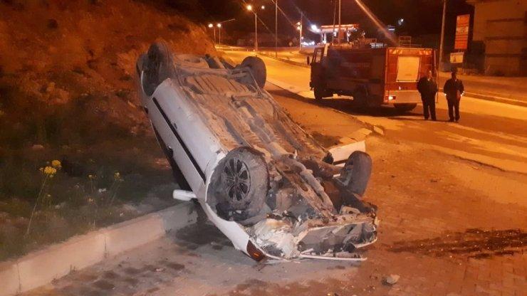 Kaza sonrası gaz kaçıran araca itfaiye ekipleri müdahale etti