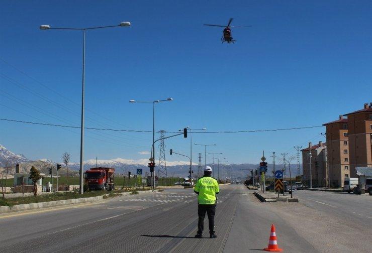 Van'da helikopter destekli trafik denetimi