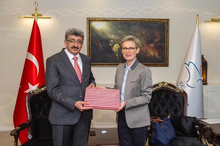Avusturya Büyükelçisi Tilly'den Vali Bilmez'e ziyaret
