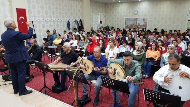 Belediye korosundan yabancı öğrencilere konser