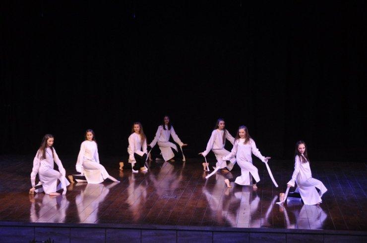 """GKV Özel Ortaokulu """"Dance Show 2019"""" sahneledi"""