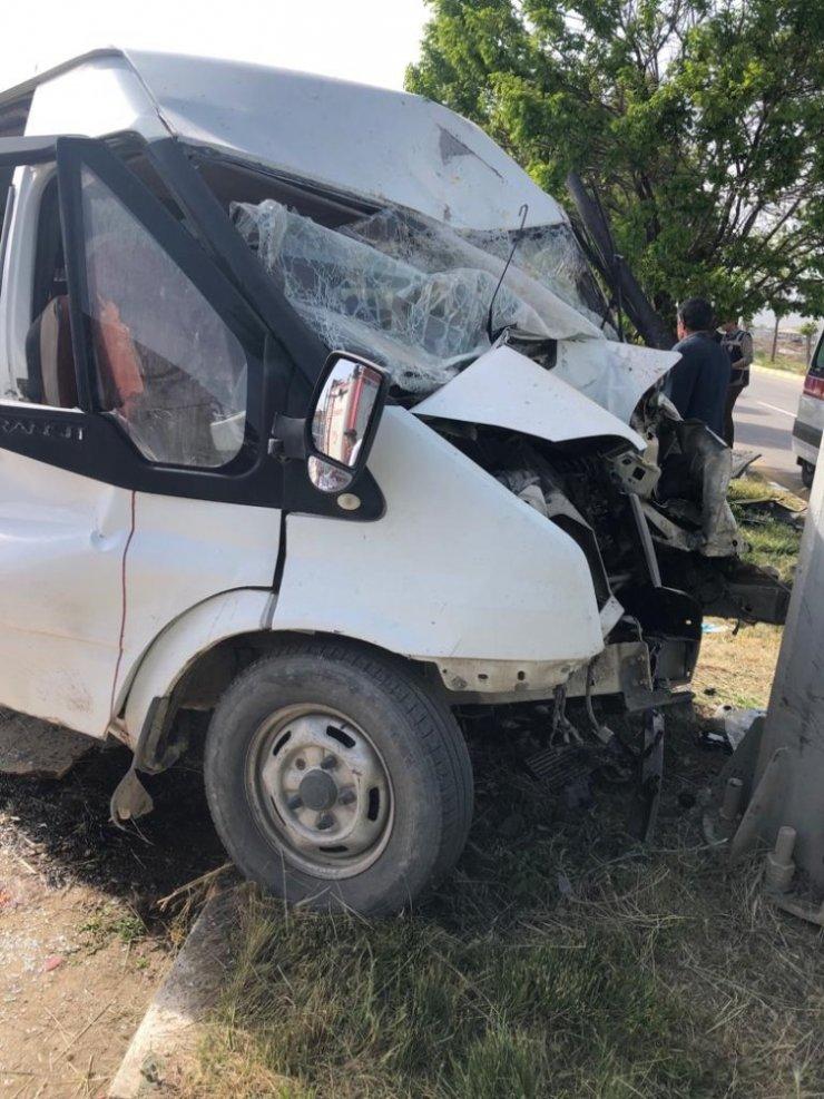 Van'da trafik kazası; 2'si ağır 5 yaralı