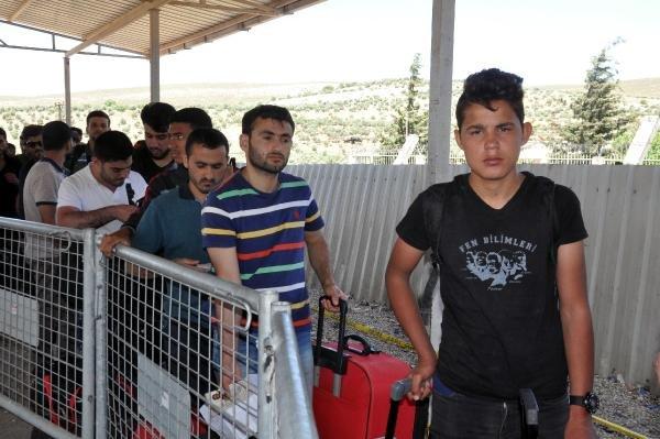 Cilvegözü'nden Suriye'ye bir haftada 16 bin kişi gitti