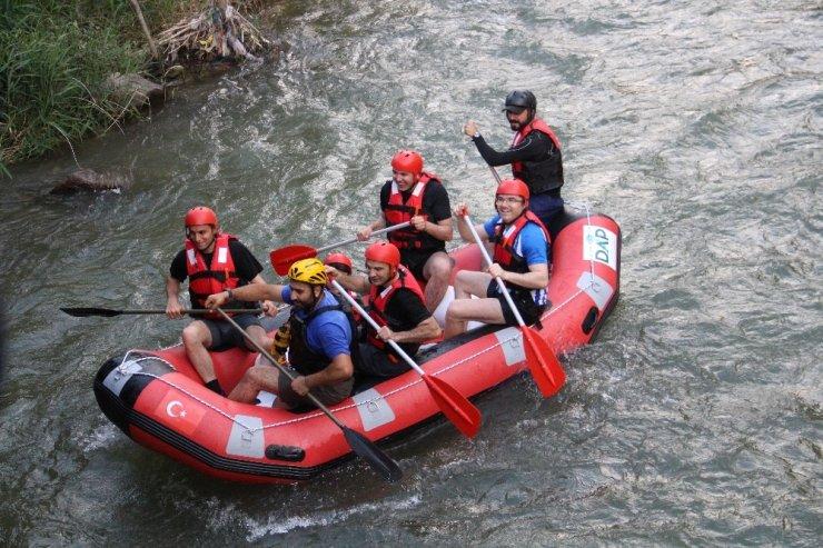 Uzundere'nin eşsiz manzarasında yapılan ekstrem sporları turistleri bekliyor ile ilgili görsel sonucu