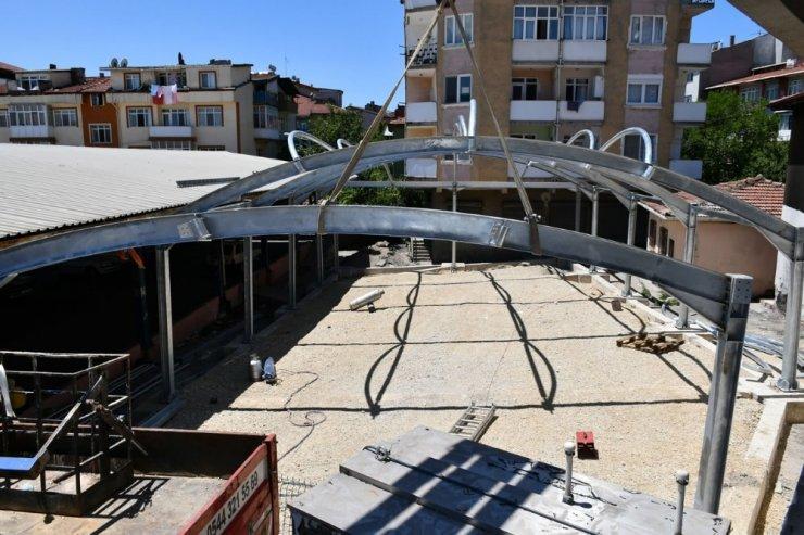 Karabük Belediyesi'nin pazar yeri çalışmaları sürüyor