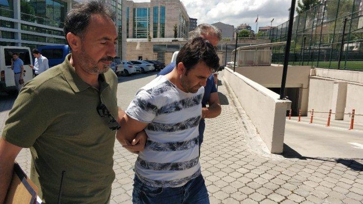 Adliyenin kapısını kırıp kaçmak isteyen şahıs tutuklandı